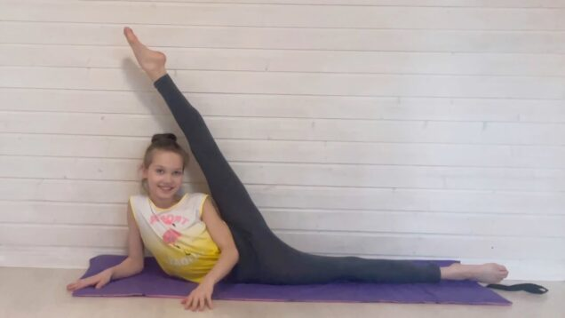 Easy Home Gymnastic Warm-Up #25 from Tina