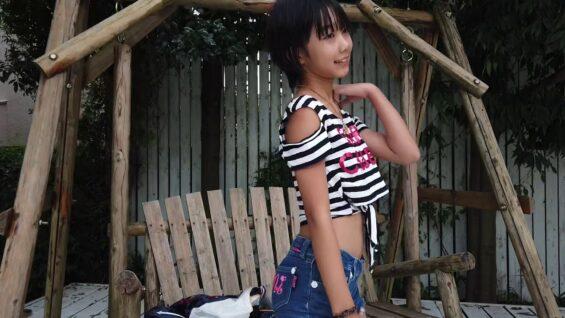 小学生モデル 小杉ゆんjs4 サマールックファッションでスタジオ撮影ーー