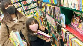 【本が好きな娘に】本屋さんで5冊買っていいよと突然言ってみた!!
