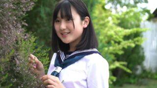 セーラー服でスタジオ撮影 芝生とテラス編 心花JC3の15歳