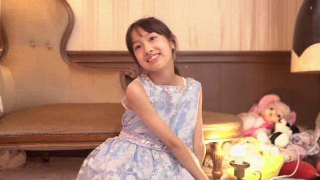 Studio photo in a sleeveless dress Rinorino JS5   (  11 years old  )