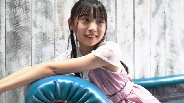清楚系ワンピースでスタジオ撮影 響野ユリア( Ýuria Hibino ・ 11 years old  )